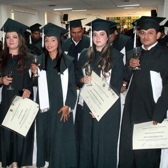 Primera ceremonia de grados 2017