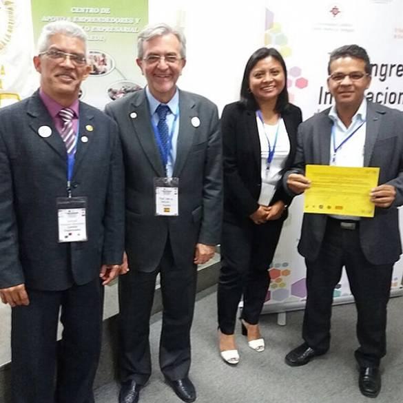 Docente es exaltado en Congreso Internacional