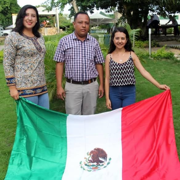 Estudiantes internacionales terminan su semestre con éxito
