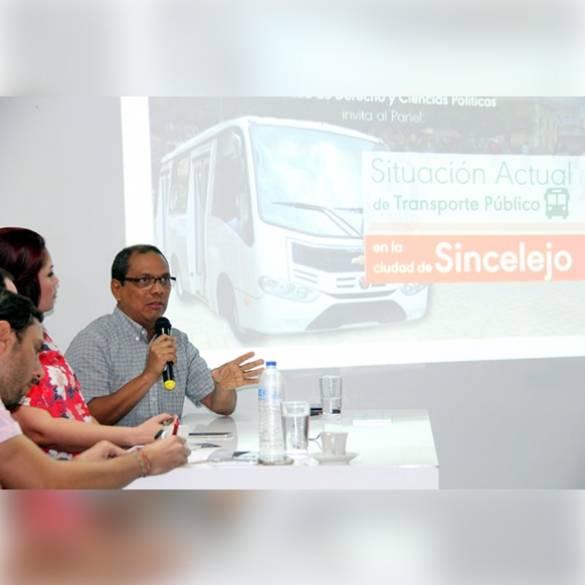 Universitarios exigen un mejor servicio de transporte urbano