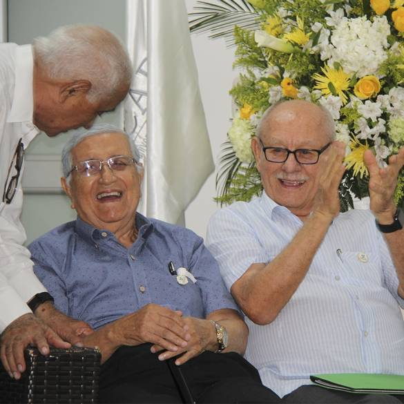 Homenaje a los fundadores en los 32 años de CECAR