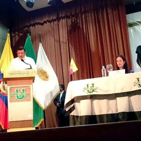 Rector de CECAR participó en Foro Universitario