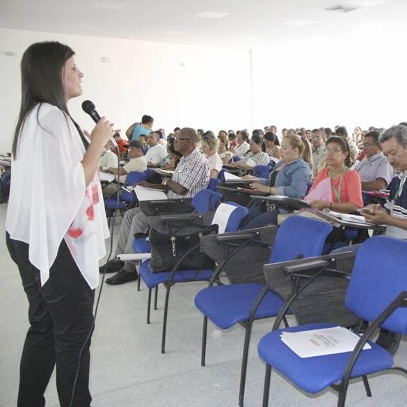 Docentes se familiarizan con el Decreto que reglamenta la educación inclusiva