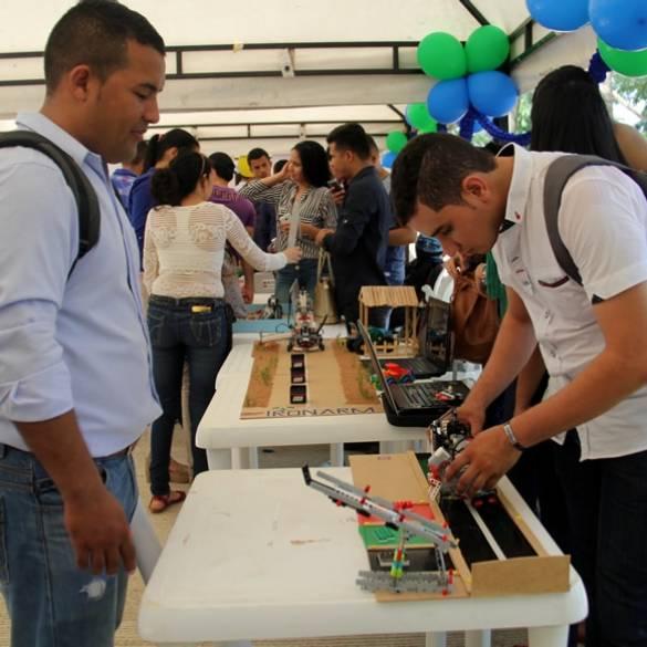 Primera Feria del Diseño en la Ingeniería