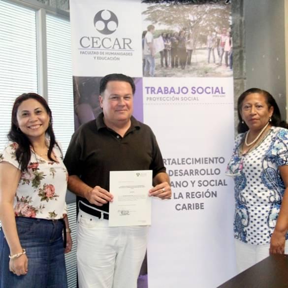 Trabajo Social reconoce labor académica